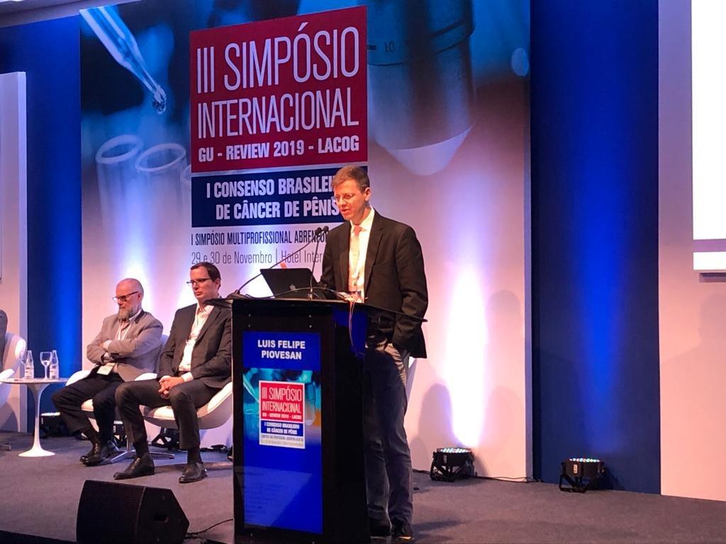 Dr. Luís Piovesan participa de simpósio internacional sobre urologia e oncologia em São Paulo